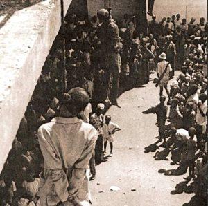 Le 25 janvier 1971, le ministre des Finances Ousmane Baldet, le secrétaire d'Etat Barry III, le ministre délégué Magassouba Moriba et le commissaire de police Keita Kara Soufiana sont pendus publiquement au pont 8 novembre de Conakry devant des écoliers. (Photo tirée  de executedtoday.com)