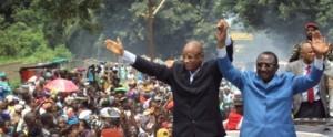 Cellou Dalein Diallo et Sidya Touré lors de la campagne électorale pour le second tour de la présidentielle de 2010.
